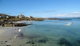 The stunning clear waters of Iona.